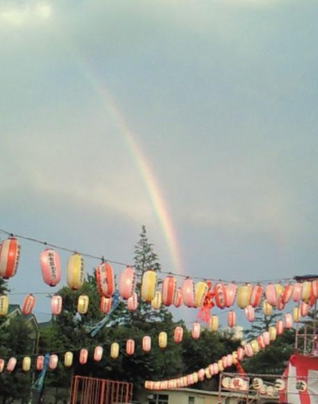 盆踊りに虹が出た